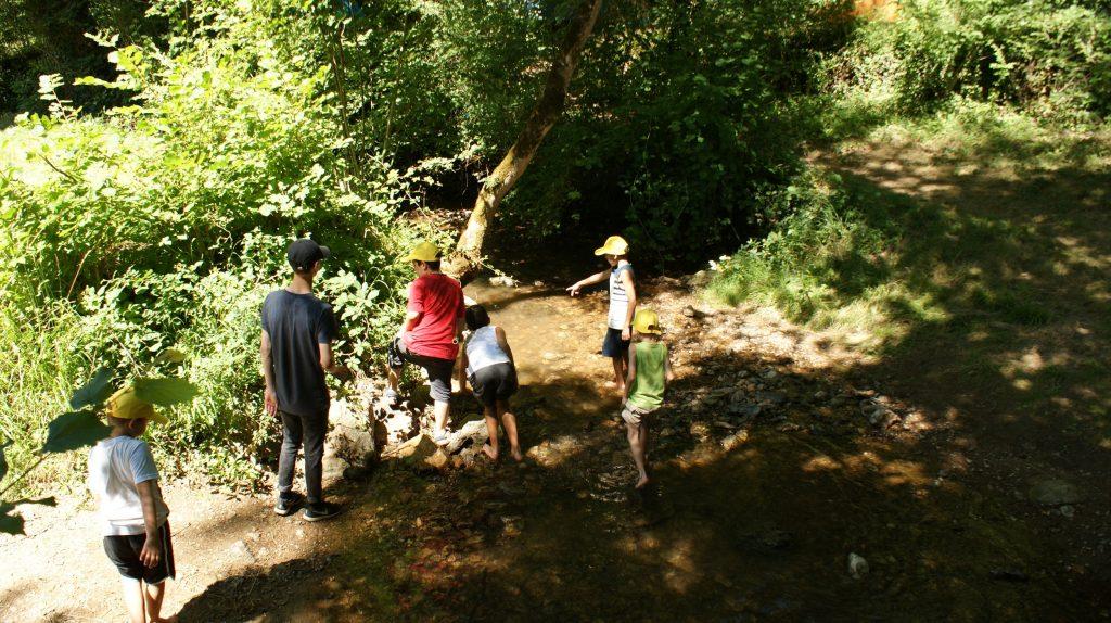 EEDF_enfants_ruisseau_nature